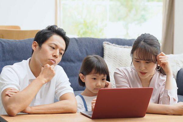 子どもが小学生になると共働きは大変?よくある悩みと解決策